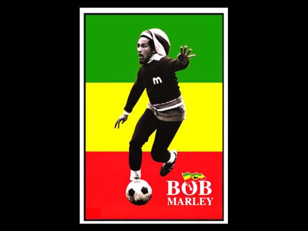 T-Shirt Noir en Coton avec une Photo de Bob Marley jouant au Football